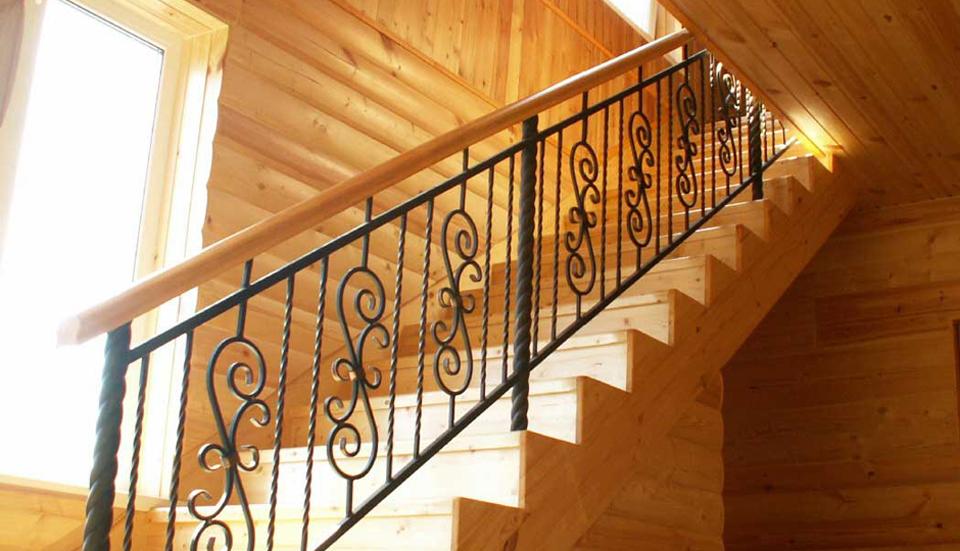 Деревянные лестницы в наличии в кирове
