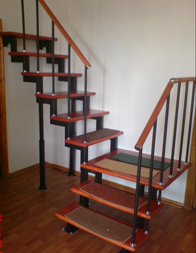 Модульная лестница на профильном каркасе