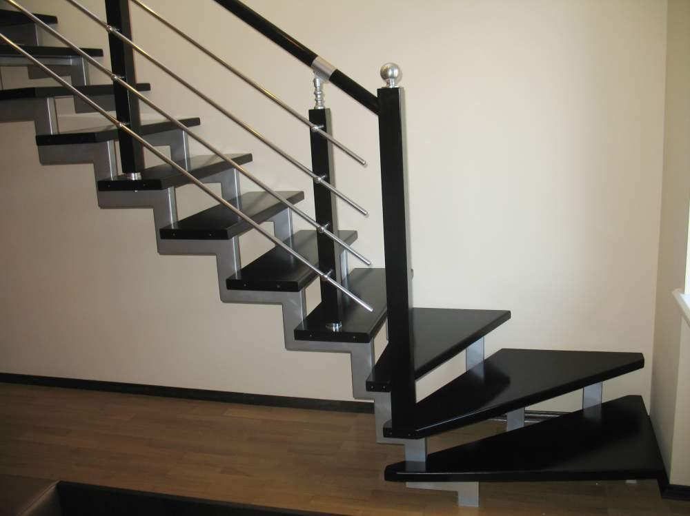 Лестницы из бука Купить лестницу из бука Деревянные